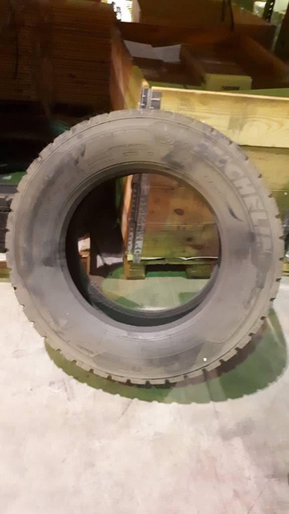 [Other] Tyre Michelin 315/60, R 225, Renkaat ja vanteet, Materiaalinkäsittely