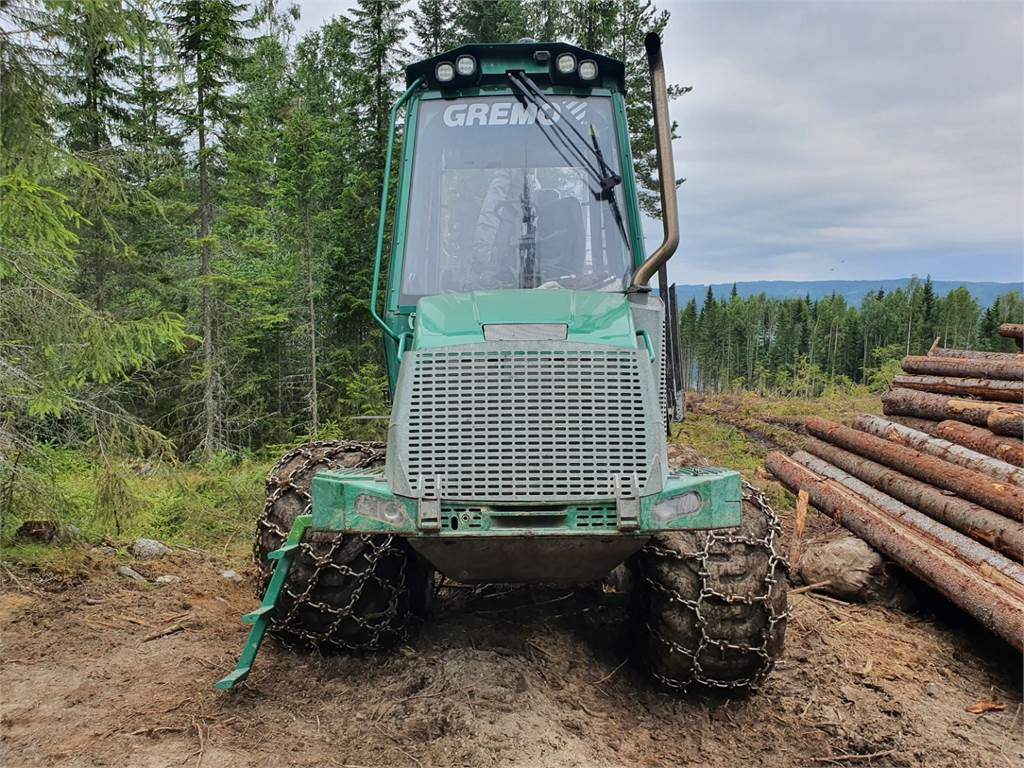 Gremo 1050F, Skotare, Skogsmaskiner