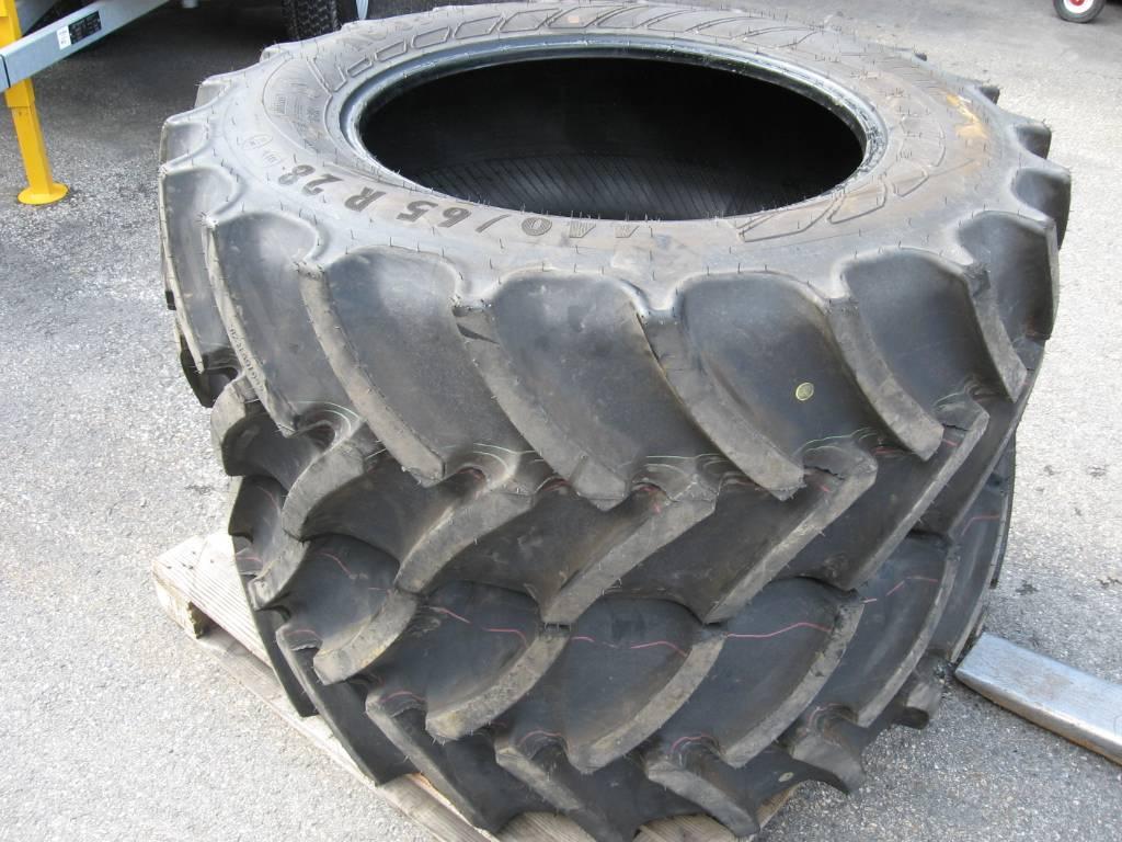 Mitas däck dim. 440/65R28, Däck, hjul och fälgar, Lantbruk