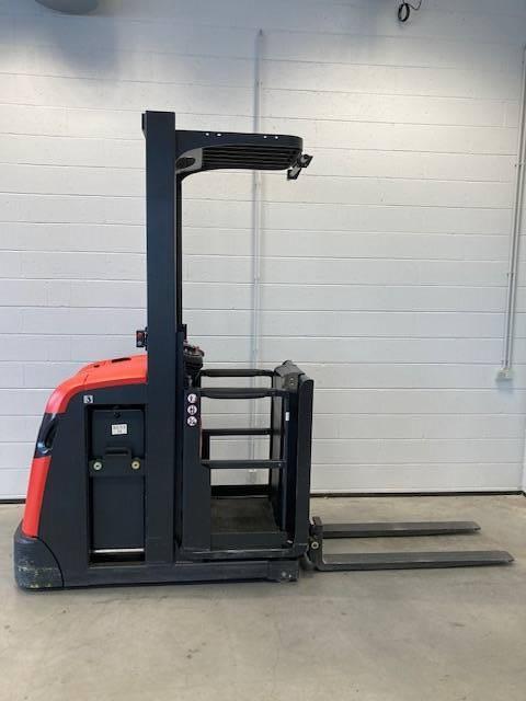 Linde V10/5021, Medium lift order picker, Material Handling