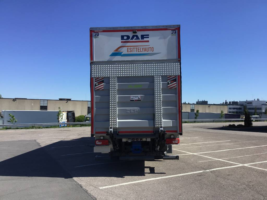 DAF XF 530 FAN 6x2 Nordic Edition Esittelyauto, Box trucks, Trucks and Trailers