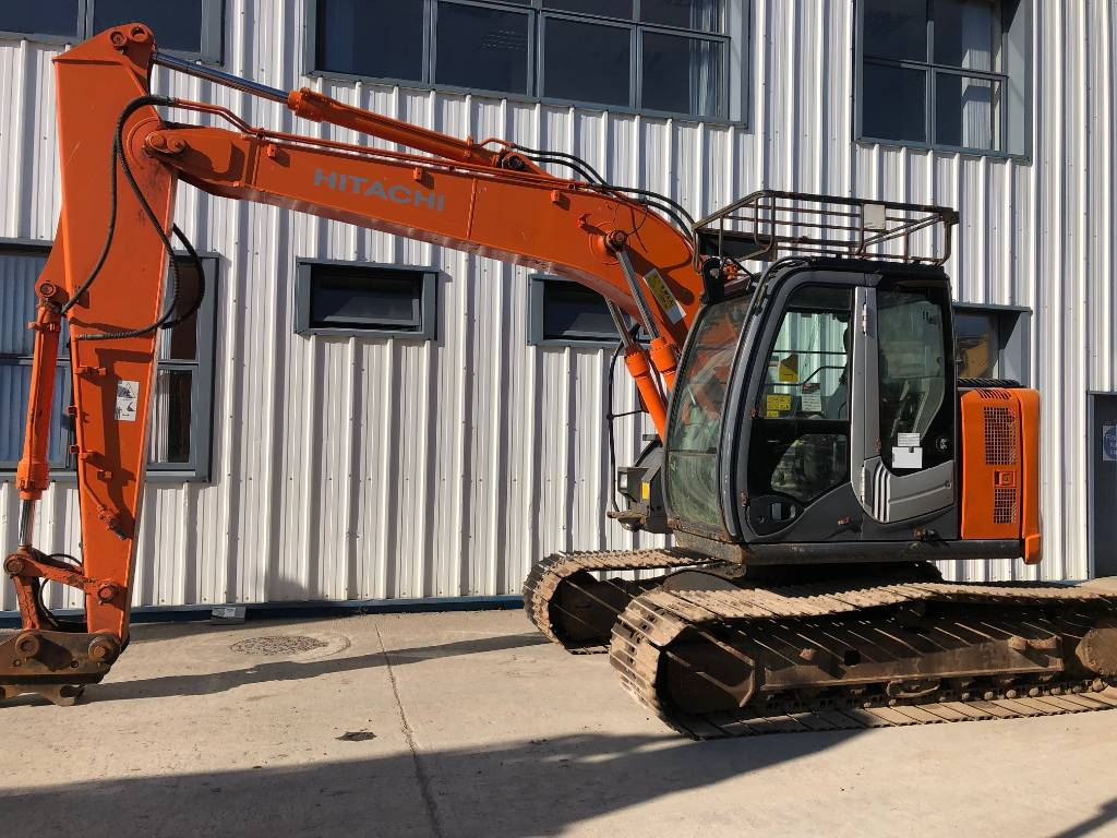 Hitachi ZX135US-3, Crawler Excavators, Construction Equipment