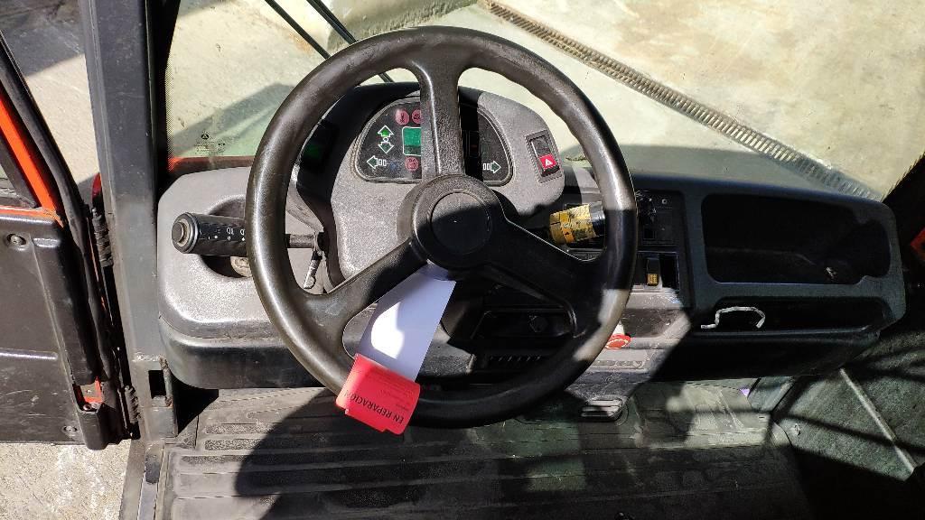 Linde p250, Cabeza tractora, Almacenaje