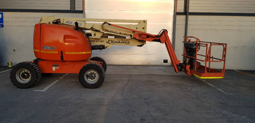 JLG 450 AJ II, Articulated boom lifts, Construction
