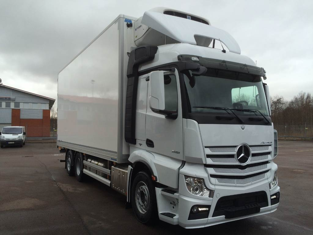 Used mercedes benz actros 2551 f r omg ende leverans for Mercedes benz trucks usa