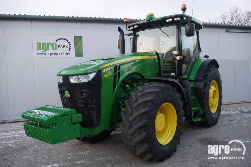 John Deere 8295R ILS with 1514 hours, Active seat, Powershift