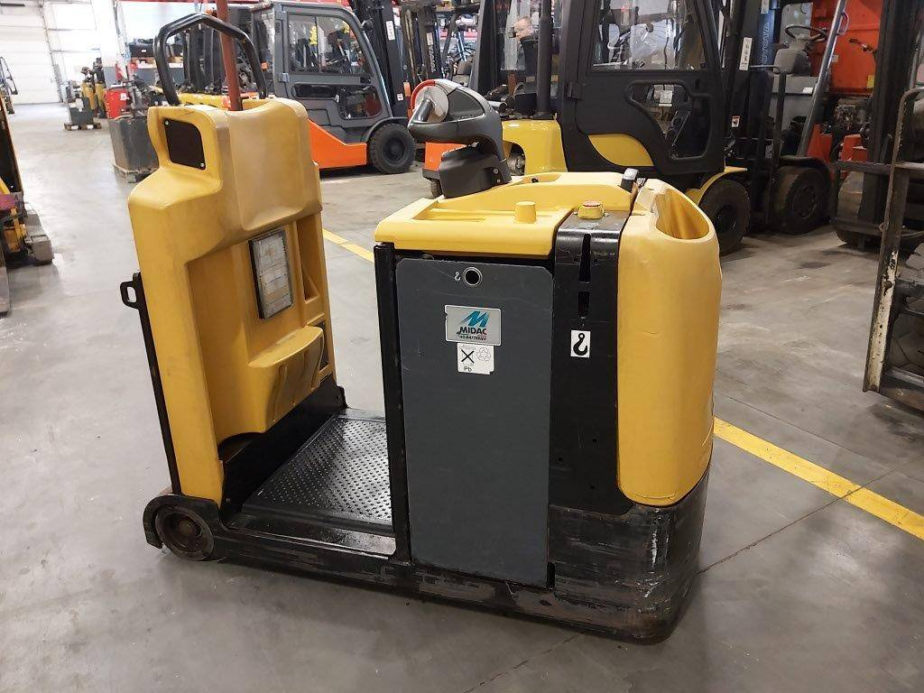 Yale MO50T, Tow tractors, Material Handling