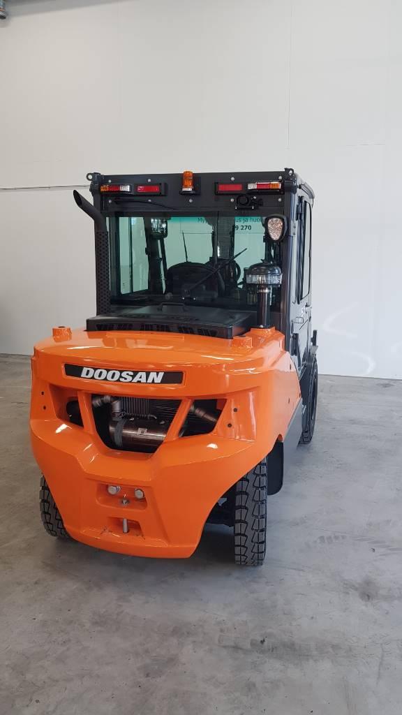 Doosan D50SC-7, Dieseltrukit, Materiaalinkäsittely