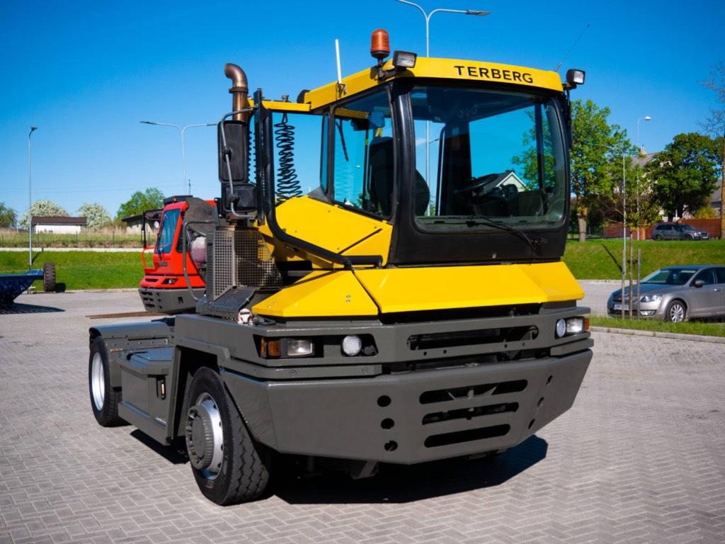 Terberg RT282, Terminal tractors, Material Handling