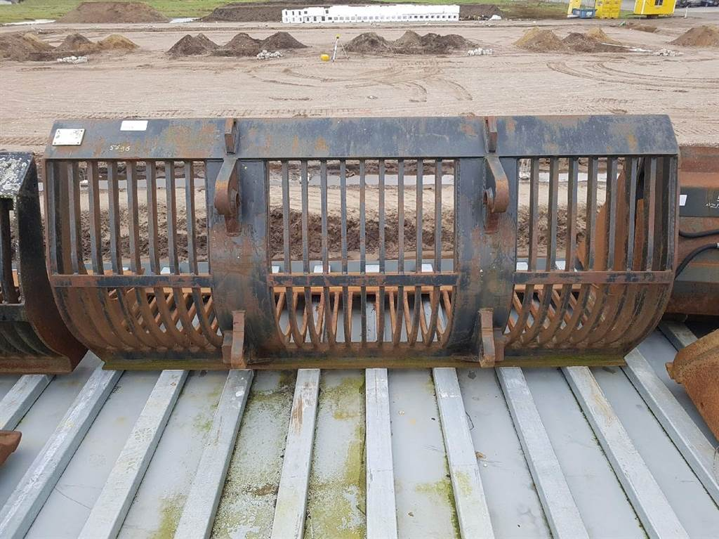 JCB 411 HT-Ljunby Maskin L9-2,45mtr-Skeleton bucket