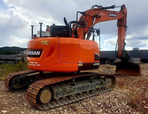 Doosan DX 235 LCR Mye utstyr, Som ny, Crawler Excavators, Construction Equipment
