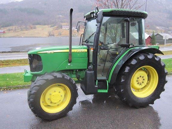 John Deere 5515 4WD