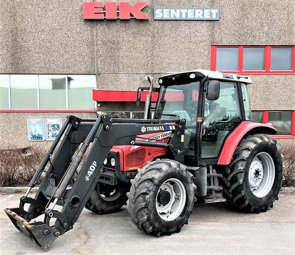 Massey Ferguson 5455 med laster Traktorer Landbruk