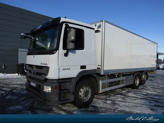 Mercedes-Benz 2532L/45/ 6X2M, Skapbiler, Transport