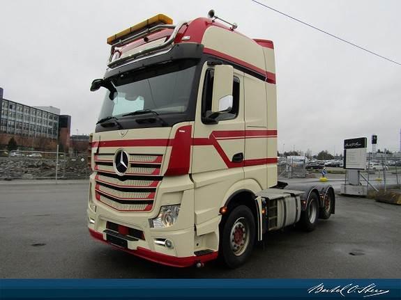 Mercedes-Benz 2551L, Trekkvogner, Transport