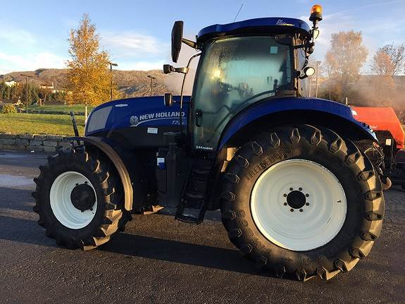 New Holland T7, 210 AC
