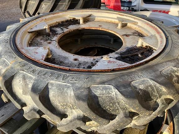[Other] Sprøytehjul? Dekk 8,3x32, Øvrige landbruksmaskiner, Landbruk