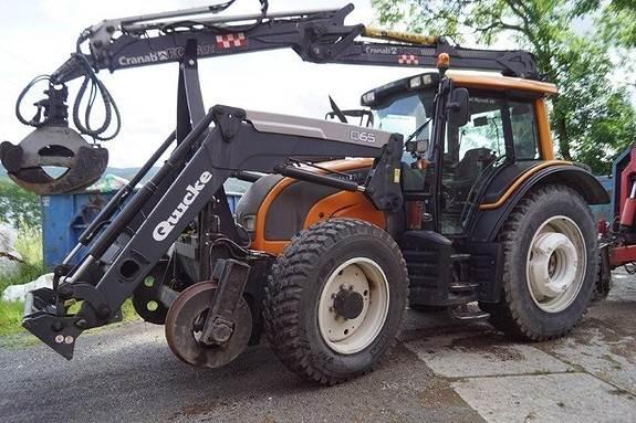 Valtra N121 Traktor
