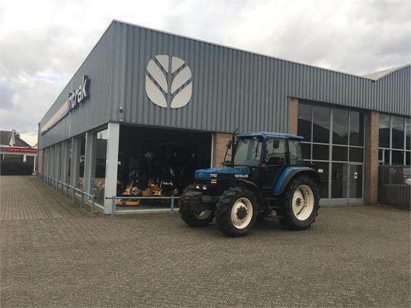 New Holland 7740