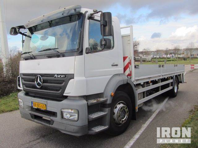 Used mercedes benz axor 1824l flatbed dropside year for Plaza mercedes benz service