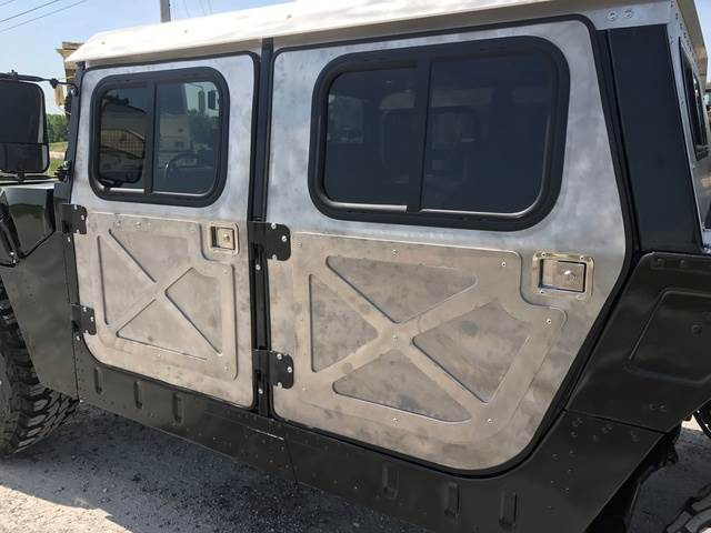 [Other] Hard Door Kit for use on HMMWV Humvee Vehicles