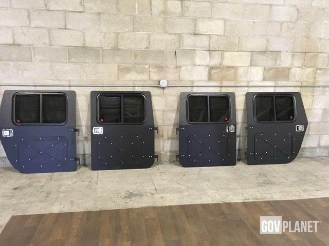 [Other] HMMWV Humvee X Panel Hard Door Kit