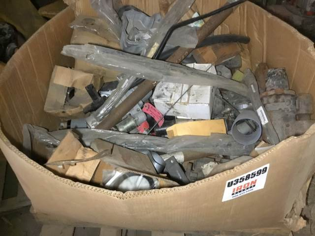 [Other] Lot of Truck Parts