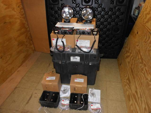 [Other] Military Federal Signal Siren P/A & Spotlight Traf