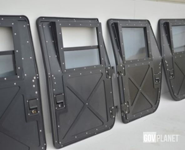 [Other] Set of 4 HMMWV Doors - New