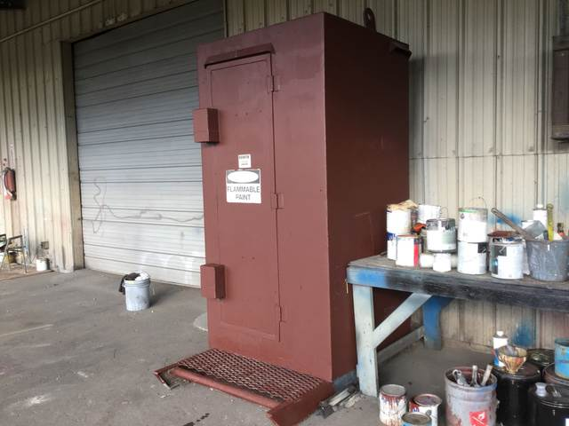 [Other] Steel Storage Cabinet