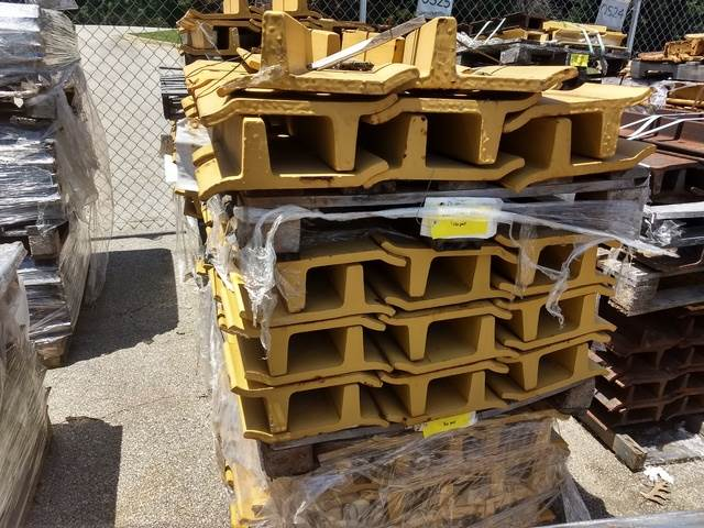 Track Shoes - Fits Cat D10N/R - Unused