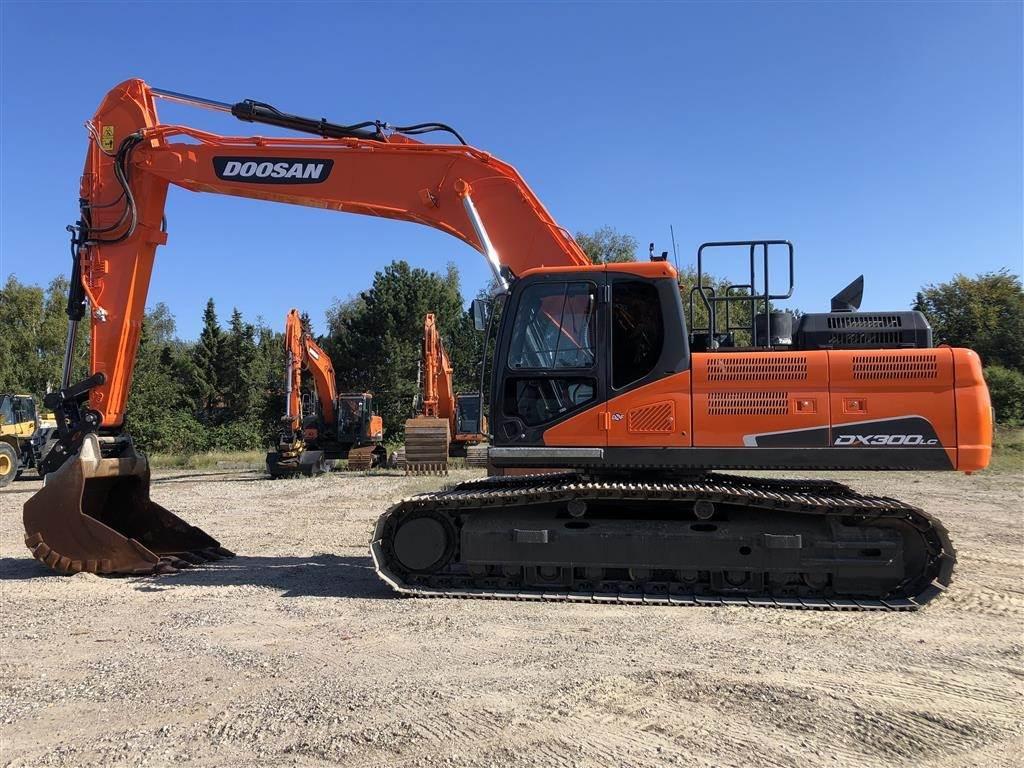 Doosan DX300LC-5, Crawler Excavators, Construction Equipment