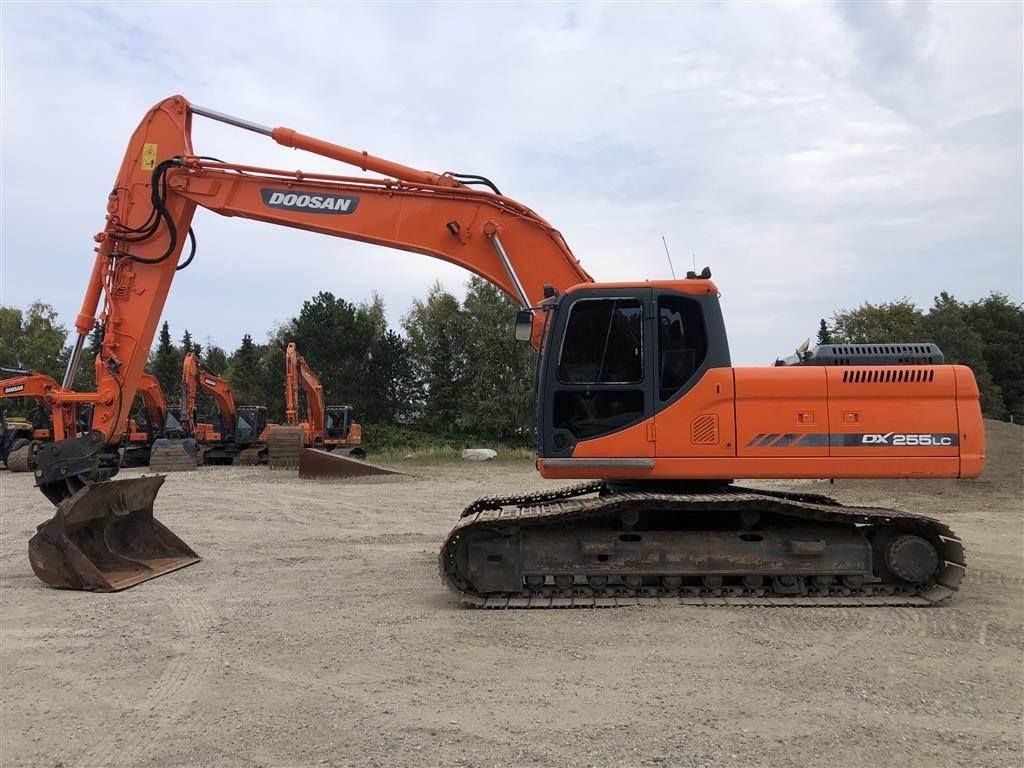 Doosan DX 255LC, Crawler Excavators, Construction Equipment