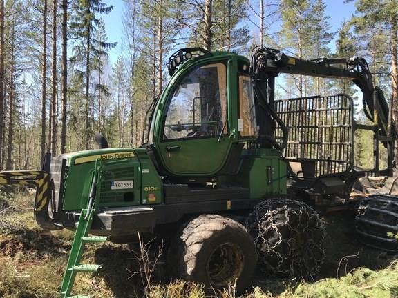 John Deere 810E, Vyvážecí traktory, Lesní technika
