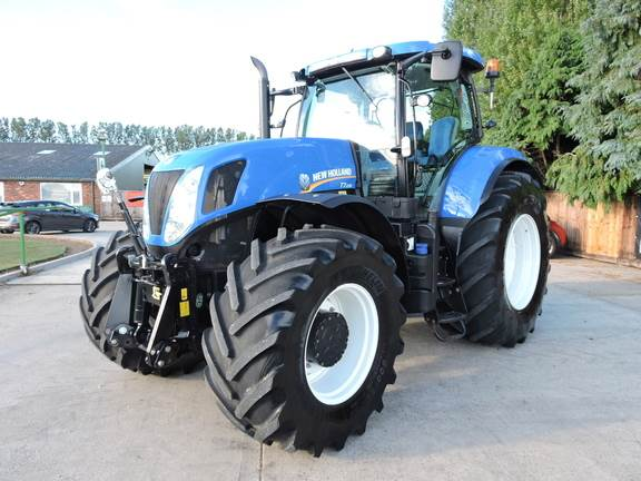 New Holland T7.235 Only 1750hrs!!!