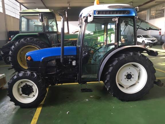 New Holland TN95F