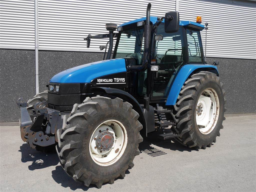 New Holland TS 115 DL