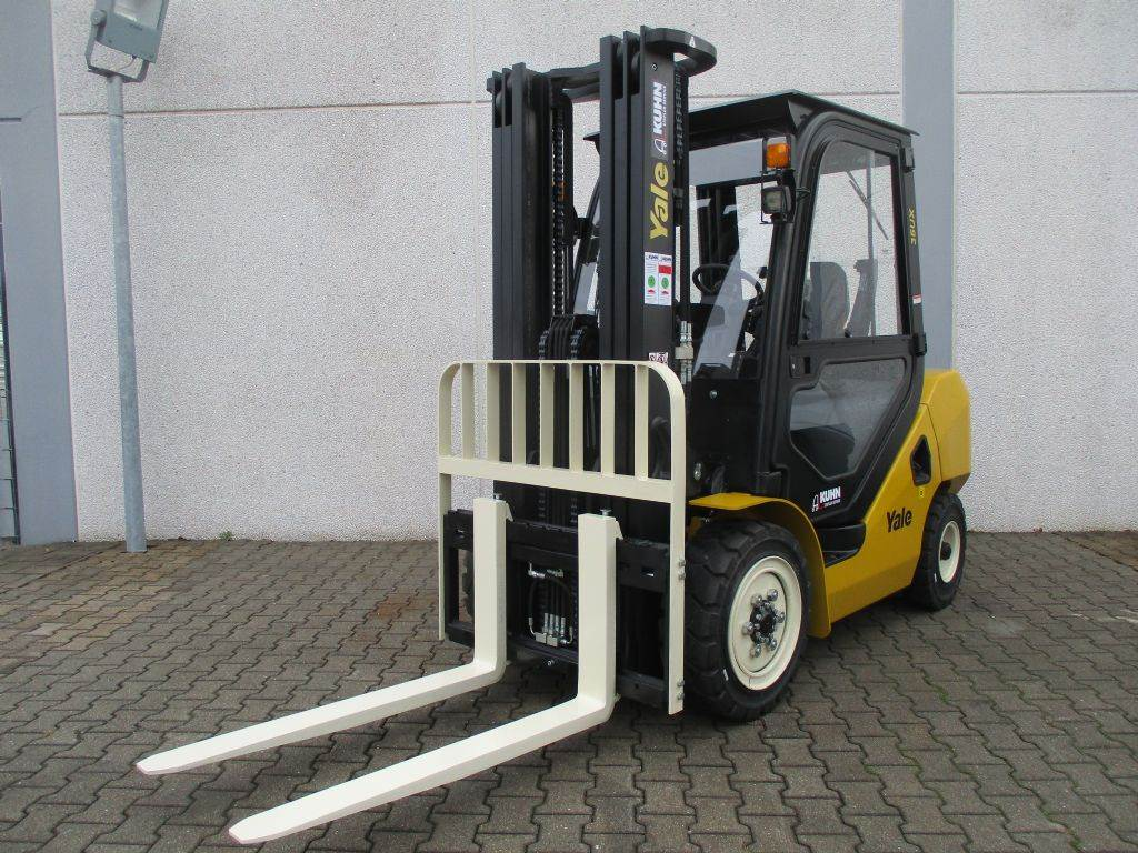 Yale GDP35UX, Diesel counterbalance Forklifts, Material Handling