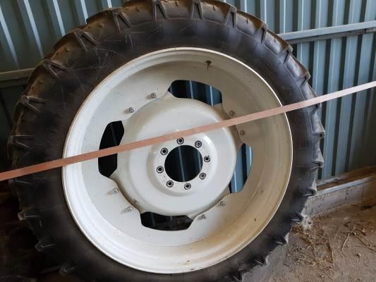Kleber SUPER 3 300/95 46270/95 32, Däck, hjul och fälgar, Lantbruk