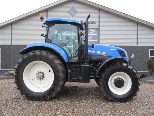 New Holland T7.270 Auto Command med frontlift