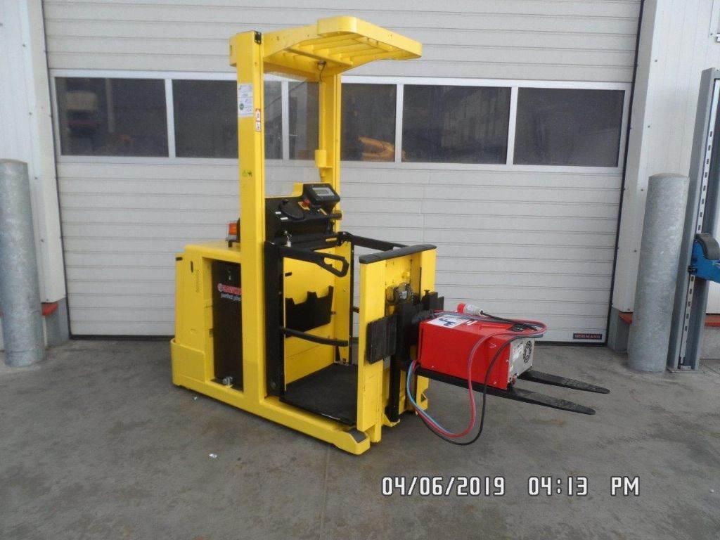 Hyster K1.0L, Medium lift order picker, Material Handling