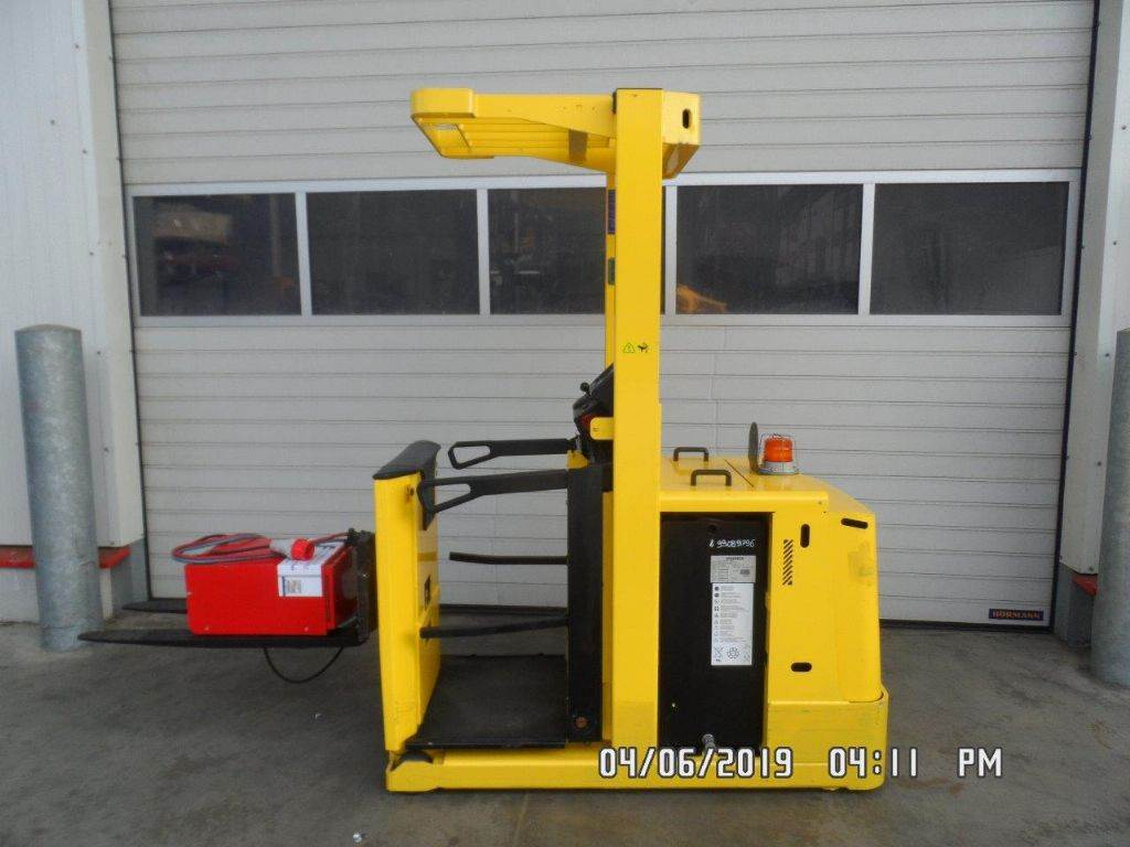 Hyster K1.0L, Medium lift order picker, Material Handling