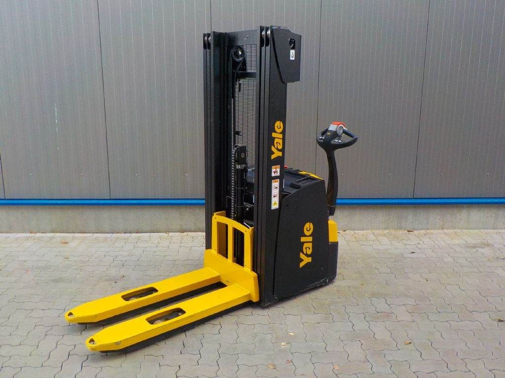 Yale MS12 IL, Pedestrian stacker, Material Handling