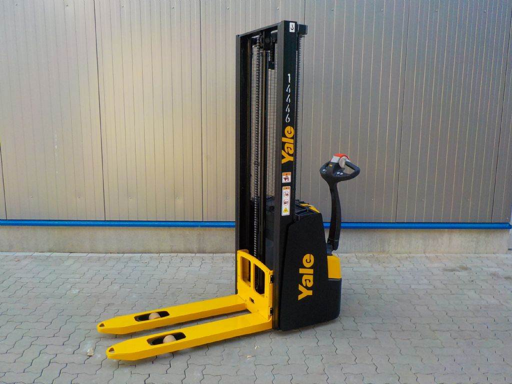 Yale MS12E, Pedestrian stacker, Material Handling
