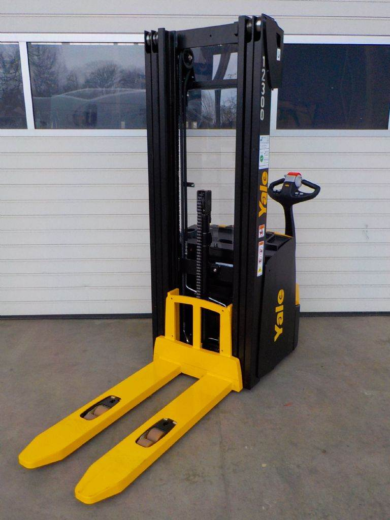 Yale MS12IL, Pedestrian stacker, Material Handling