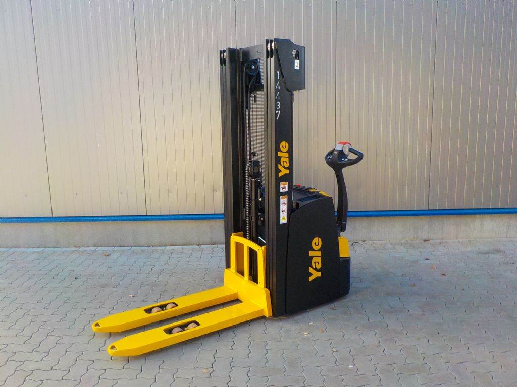 Yale MS16, Pedestrian stacker, Material Handling