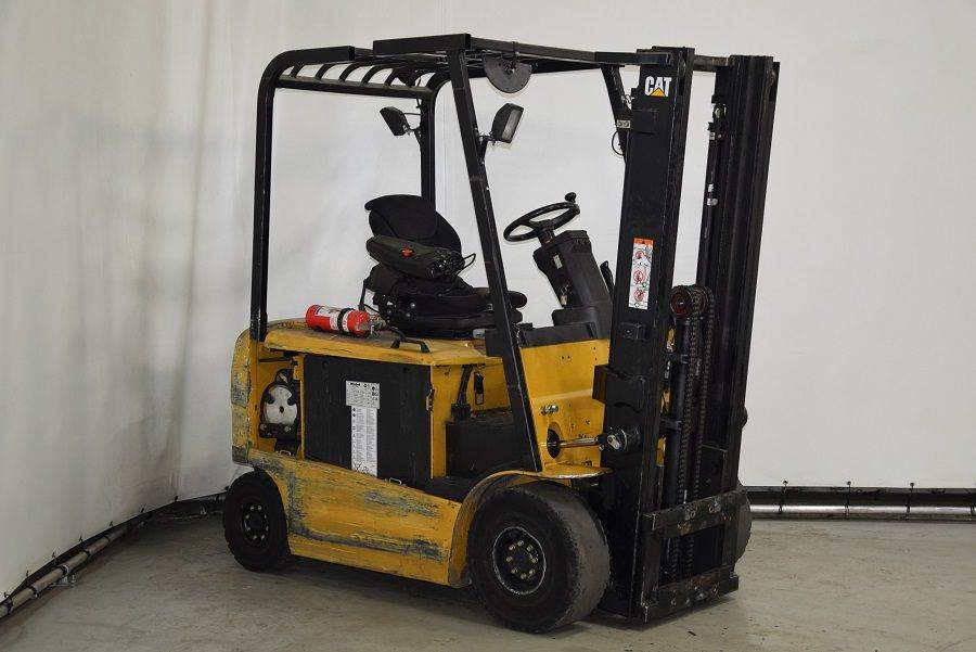 Caterpillar EP25KPAC, Electric forklifts, Material Handling