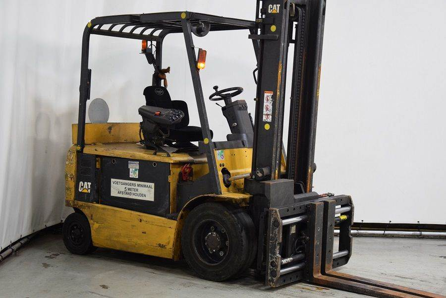 Caterpillar EP30KPAC, Electric forklifts, Material Handling