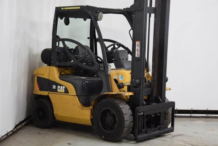 Caterpillar GP30N, LPG forklifts, Material Handling