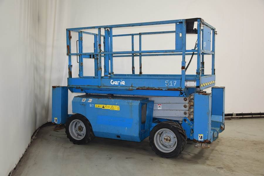 Genie GS2668RT, Scissor lifts, Construction